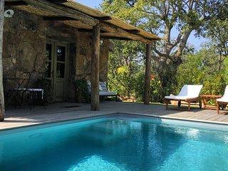 Casa Zia Lucia, Bergerie avec piscine, Porto Vecchio, proche plage Santa Giulia