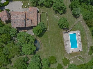 Villa Cretole, 6 bedrooms villa in the region of Arezzo with private pool & A/C!