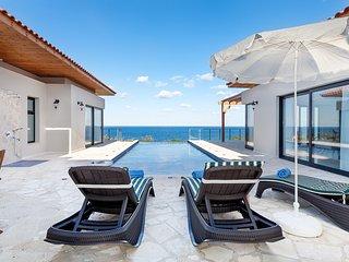 Stunning Blue Villa