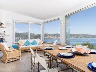 Villa indipendente con 5 camere,  piscina privata, vista mare, Costa Smeralda