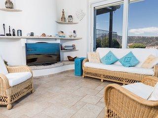 Villa Cala dei Ginepri,  private pool and close to sandy beach, North Sardinia