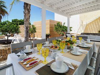Marausa Villa Sleeps 10 with Pool and Air Con - 5820633