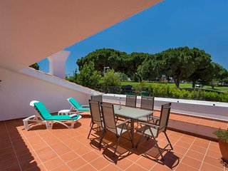 Vale do Lobo Villa Sleeps 6 with Pool Air Con and WiFi - 5480238