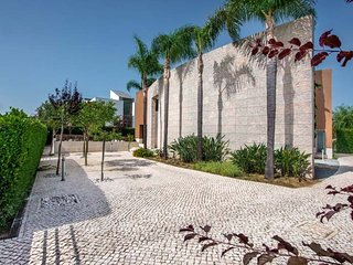 Vilamoura Villa Sleeps 12 with Pool Air Con and WiFi - 5480354