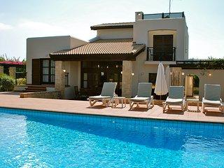 Villa 32 - Limni