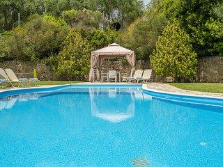 Agios Ioannis Villa Sleeps 10 with Pool and Air Con - 5364696