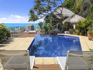 Liapari Beach House - Absolute Beachfront