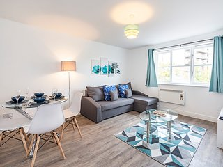 ★ Authentic London Living ★ Metro Nearby ★ 50Mbps WIFI ★ Parking ★