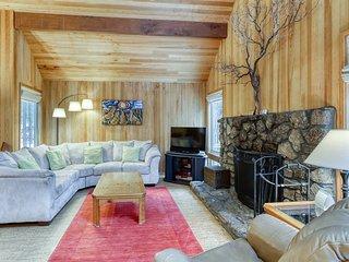Modern, rustic house w/ shared pool, hot tub, sauna, & tennis courts!
