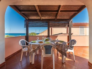 3 bedroom Apartment with Air Con and Walk to Beach & Shops - 5818329