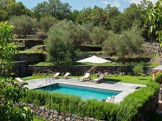 Montelaguardia Villa Sleeps 10 with Pool and WiFi - 5818392
