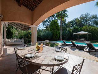 La Fontonne Villa Sleeps 6 with Pool Air Con and WiFi - 5818606