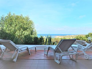 4 bedroom Villa with Walk to Beach & Shops - 5818723