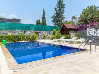 Gumbet Villa Sleeps 8 with Pool and Air Con - 5818738