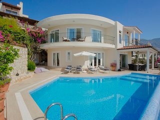 Kalkan Villa Sleeps 8 with Pool Air Con and WiFi - 5818879