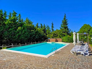 Fabbriche di Vallico Holiday Home Sleeps 4 with Pool Air Con and Free WiFi