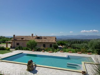 5 bedroom Villa with Pool, Air Con and WiFi - 5819191