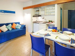Lacona Apartment Sleeps 4 with Air Con and Free WiFi