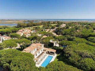 Quinta do Lago Villa Sleeps 10 with Pool and Air Con - 5819466