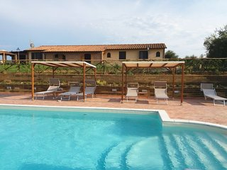 5 bedroom Villa with Pool, Air Con and WiFi - 5819667
