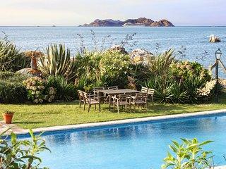 Salcidos Villa Sleeps 14 with Pool and Air Con - 5819809