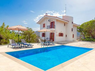 4 bedroom Villa with Air Con, WiFi and Walk to Beach & Shops - 5819850