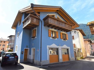 3 bedroom Villa with WiFi and Walk to Shops - 5819993