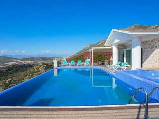 Kalkan Villa Sleeps 11 with Pool Air Con and WiFi - 5820231