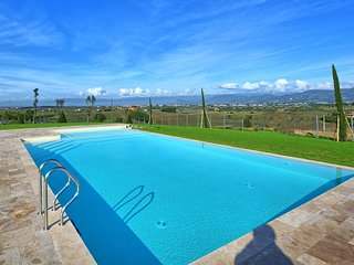 Toiano Apartment Sleeps 6 with Pool and WiFi - 5820576