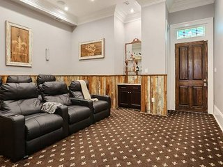 Magnificent Manor with Home Theater Off Magazine Street| Redamo