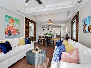 Bright Diamond in Mid-city Close to Downtown