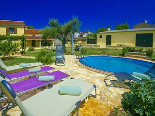3 bedroom Villa with Pool, Air Con and WiFi - 5426557