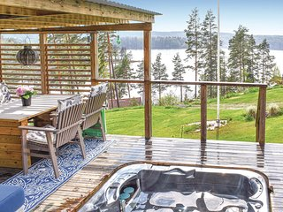 Nice home in Finspång w/ Jacuzzi and 3 Bedrooms (S60068)