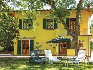 Nice home in Partina  AR w/ WiFi and 5 Bedrooms (ITA106)