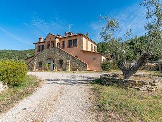 Nice home in Sassetta (LI) w/ 6 Bedrooms (ITK502)