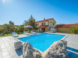 Stunning home in Presika w/ 4 Bedrooms (CIK955)