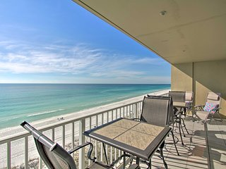 Beachfront Fort Walton Beach Condo w/ Pool & View!
