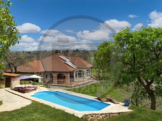 Nice home in Varazdin Breg w/ Outdoor swimming pool, Sauna and 2 Bedrooms