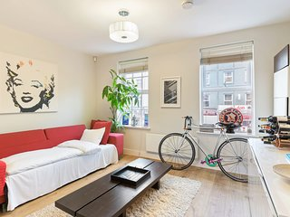 Beautiful 2-Bed Apartment w/Patio in Camden Town