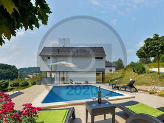 Amazing home in Sveti Martin na Muri w/ Jacuzzi, Sauna and Outdoor swimming pool