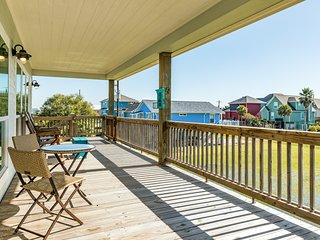 NEW LISTING! Beautiful, dog-friendly home w/gas grill - short walk to the beach