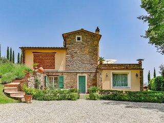 Dogana di Tiglio Villa Sleeps 8 with Pool and Air Con - 5820856