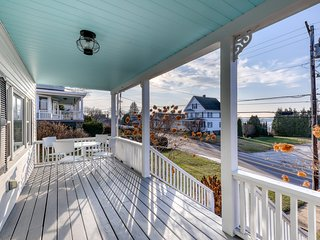 Charming home w/ water views, fireplace, spacious deck - walk to shops and town!