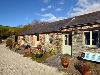 36928 Barn situated in Tintagel (2mls SE)