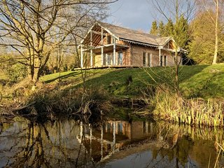 77577 Log Cabin situated in Otley (2.5mls N)