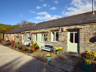 36929 Barn situated in Tintagel (2mls SE)