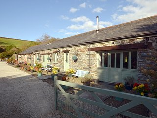 36913 Cottage situated in Tintagel (2mls SE)