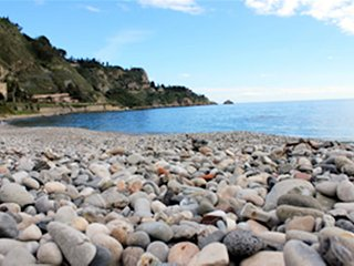 Taormina pet friendly Apartment on the beach