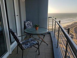 Horizon Bay 1304 Beachfront Studio Apartment