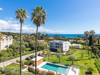 Cap d'Antibes luxury***** apartment with pool in secured residence